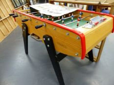 A GOOD QUALITY SULPIE TABLE FOOTBALL GAME.