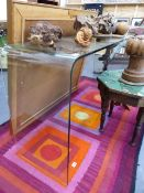 A COMTEMPORARY GLASS CONSOLE TABLE.