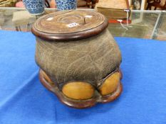 TAXIDERMY. A 19th.C.ELEPHANT'S FOOT MOUNTED WITH SATINWOOD LINED BOX WITH A LOCKING LID ON A