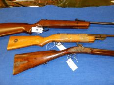 A BSA SUPERSPORT AIR RIFLE .22 CALIBER TOGETHER WITH AN UNKNOWN .177 AIR RIFLE FOR PARTS AND A RELIC