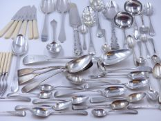 ANTIQUE GEORGIAN SILVER HALLMARKED BERRY SPOONS, DATED 1802 AND 1807 TOGETHER WITH AN ASSORTMENT