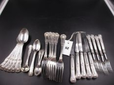 A SELECTION OF GEORGIAN AND VICTORIAN KINGS PATTERN FLATWARE, VARIOUSLY HALLMARKED 1820, 1822, 1824,