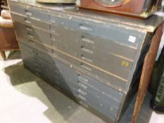 A VINTAGE PLAN CHEST IN TWO PARTS, TEN LONG SHALLOW FOLIO DRAWERS WITH RECESS HANDLES. 131 x 95 x