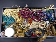 A LARGE COLLECTION OF VINTAGE COSTUME JEWELLERY.