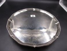 A GEO.III. SALVER WITH SHAPED BEAD RIM. LONDON 1775, ROBERT JONES & JOHN SCOFIELD. WEIGHT 800gms.