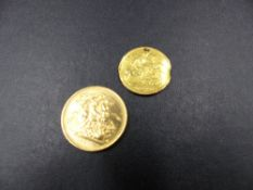 A 1980 QUEEN ELIZABETH II FULL GOLD SOVEREIGN AND A 1901 WIDOW HEAD VICTORIAN HALF SOVEREIGN 1901,