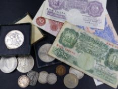 COINS AND BANKNOTES TO INCLUDE A 1940 K.O.PEPPIAT ISSUE ONE POUND NOTE, A TEN SHILLING NOTE, A