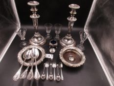 A SELECTION OF PLATED WARE, EARLY GLASS AND SILVER HALLMARKED PIECES TO INCLUDE A PAIR OF
