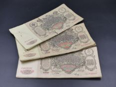 THREE CLIPS OF TEN 100 ROUBLE NOTES DATED 1910.