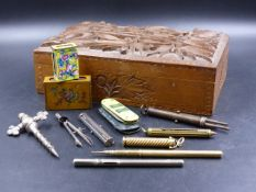 A MORDAN & CO. SILVER PROPELLING PEN / PENCIL / LETTER OPENER, AN UNMARKED YELLOW METAL EXAMPLE WITH