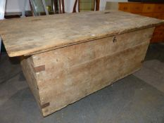 A VERY LARGE AND IMPRESSIVE ANTIQUE PINE HORSE LIVERY TRUNK OR CHEST WITH HINGED RISING TOP. W.187 x
