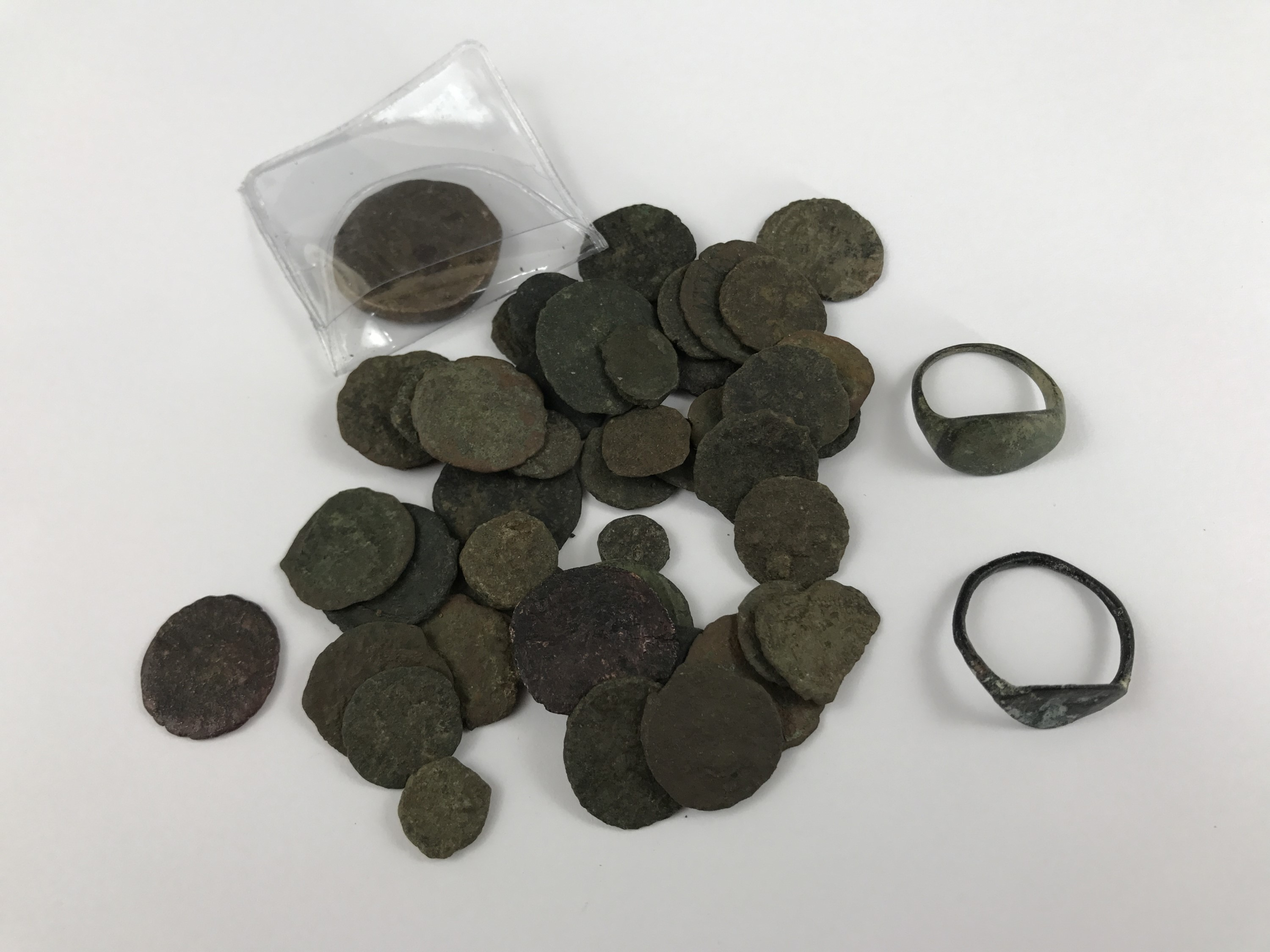 Lot 30 - Two Roman finger rings and a quantity of Roman copper coins