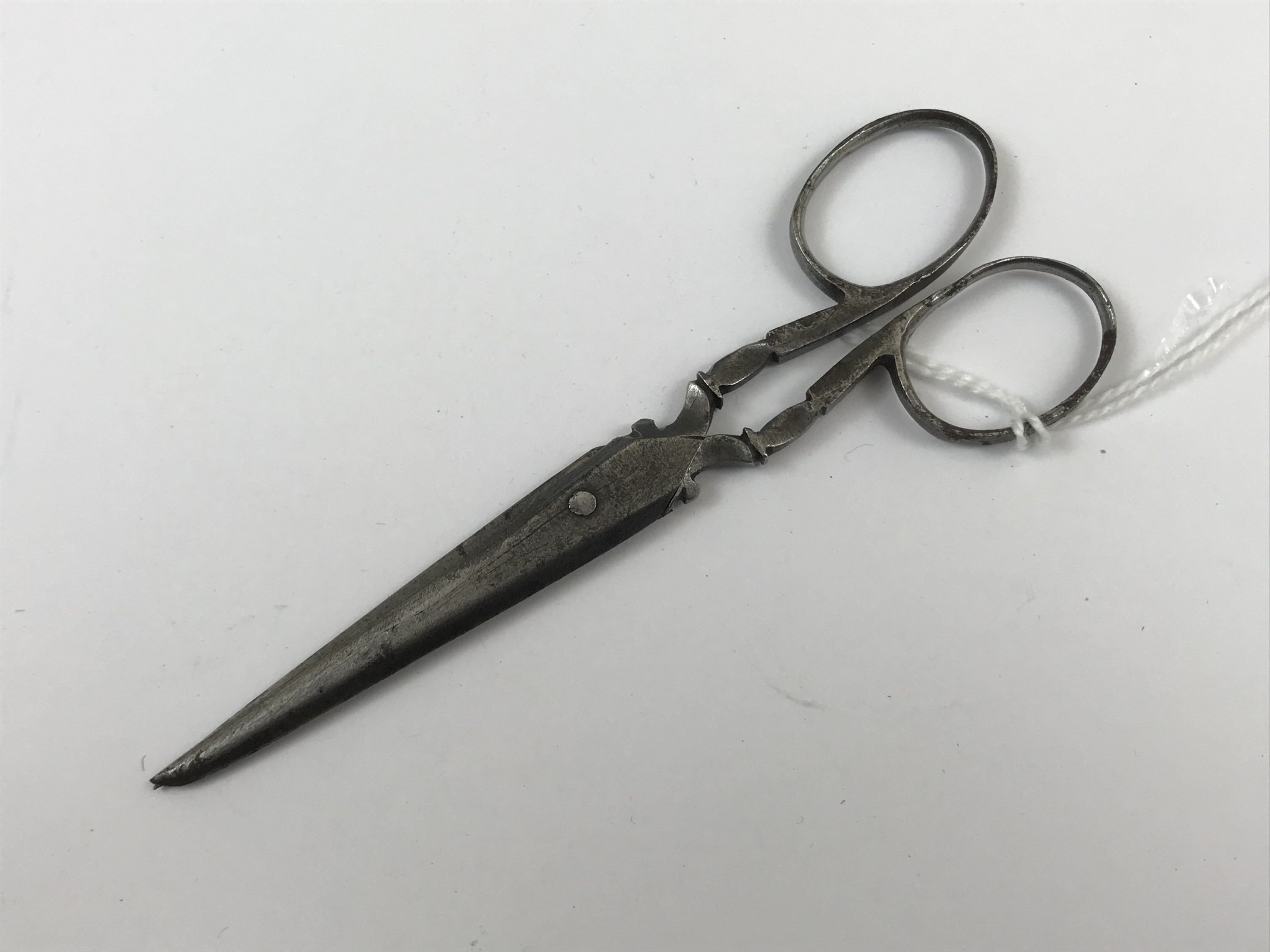 Lot 58 - A Georgian pair of steel scissors manufactured by Colley
