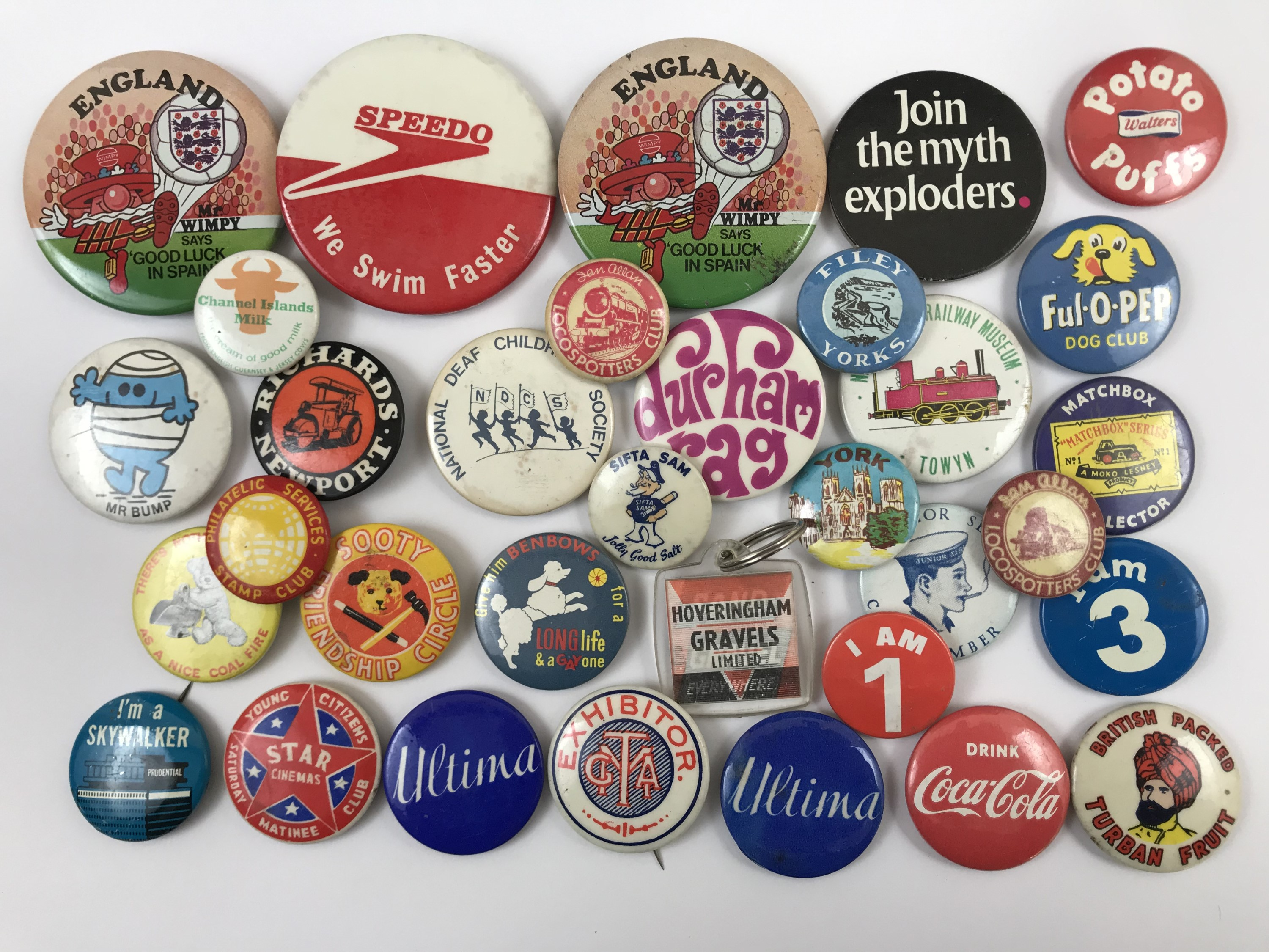 Lot 7 - A number of vintage enamelled lapel and other badges