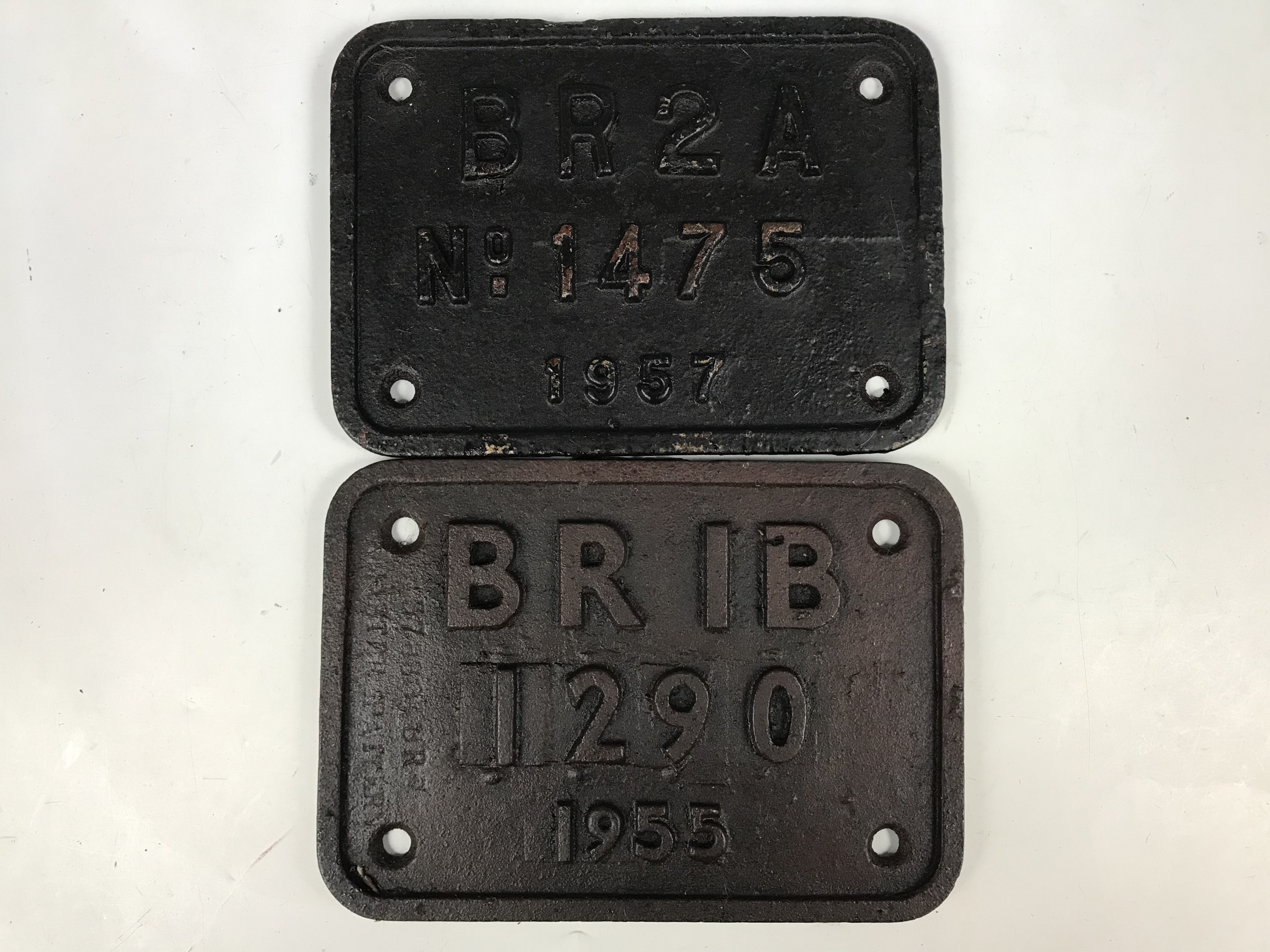Lot 41 - Sundry railway locomotive builder / shed plates including BRIB-1290, 1955 and BR2A No. 1475, 1957