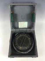 Lot 670 - An RAF P4A aircraft compass