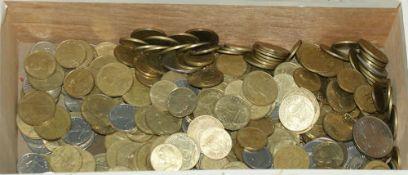 Lot Münzen Frankreich in einer Holzbox. Bitte besichtigen