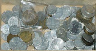 Lot Münzen DDR. Kleine Fundgrube in einer Holzschachtel