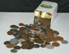kleines Lot Münzen, dabei ältere in einer Blechdose. Kleine Fundgrube