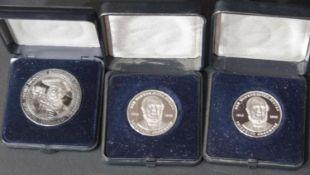Drei Silbermedaillen: 2 x Friedrich Grosholz, Durchmesser: ca. 32 mm und 1 x Privatbrauerei