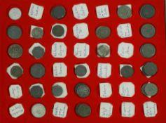 Notmünzen in Münzbox. ca 55 Stück. Dabei z.B..Wiffen, Wittlich, Wittenberg, Walfach, Zirndorf,