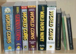 Konvolot Literatur zum Thema Münzen und Papiergeld, 7 Bücher in englischer Sprache, 1x