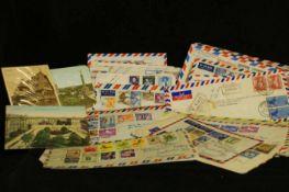 1 Lot Luftpostbriefe aus Übersee an die Firma KSB Frankenthal. Viele gute Frankaturen. Bitte