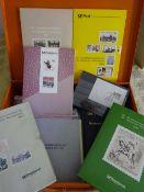 Jahrbücher BRD, meist 90er Jahre sowie viele Blöcke BRD aus der DM Zeit in MetallboxYearbooks of