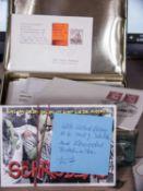 Lot Postkarten und Belege, dabei viele Erstausgaben Österreich. Dabei auch einige Scherzkarten.