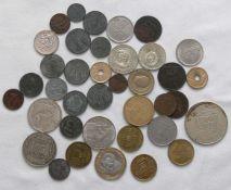 Lot Münzen aus aller Welt, dabei auch Saarland. Bitte besichtigen.Lot of coins from all over the