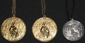 3 Medaillen der Liebe, alle 925er Silber an 925er Kette. 2x vergoldet3 medals of love, all 925