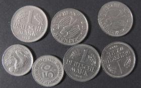 BRD 1950/66, Lot 1.- DM - Münzen: 1963 G, 196 F, 1968 F, 1969 D+J. Dazu 2 x 50 Pfennig - Münzen: