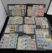 1934/76 Dubletten auf 10 großen Steckkarten meist in 3er-Streifen, darunter viele komplette Sätze