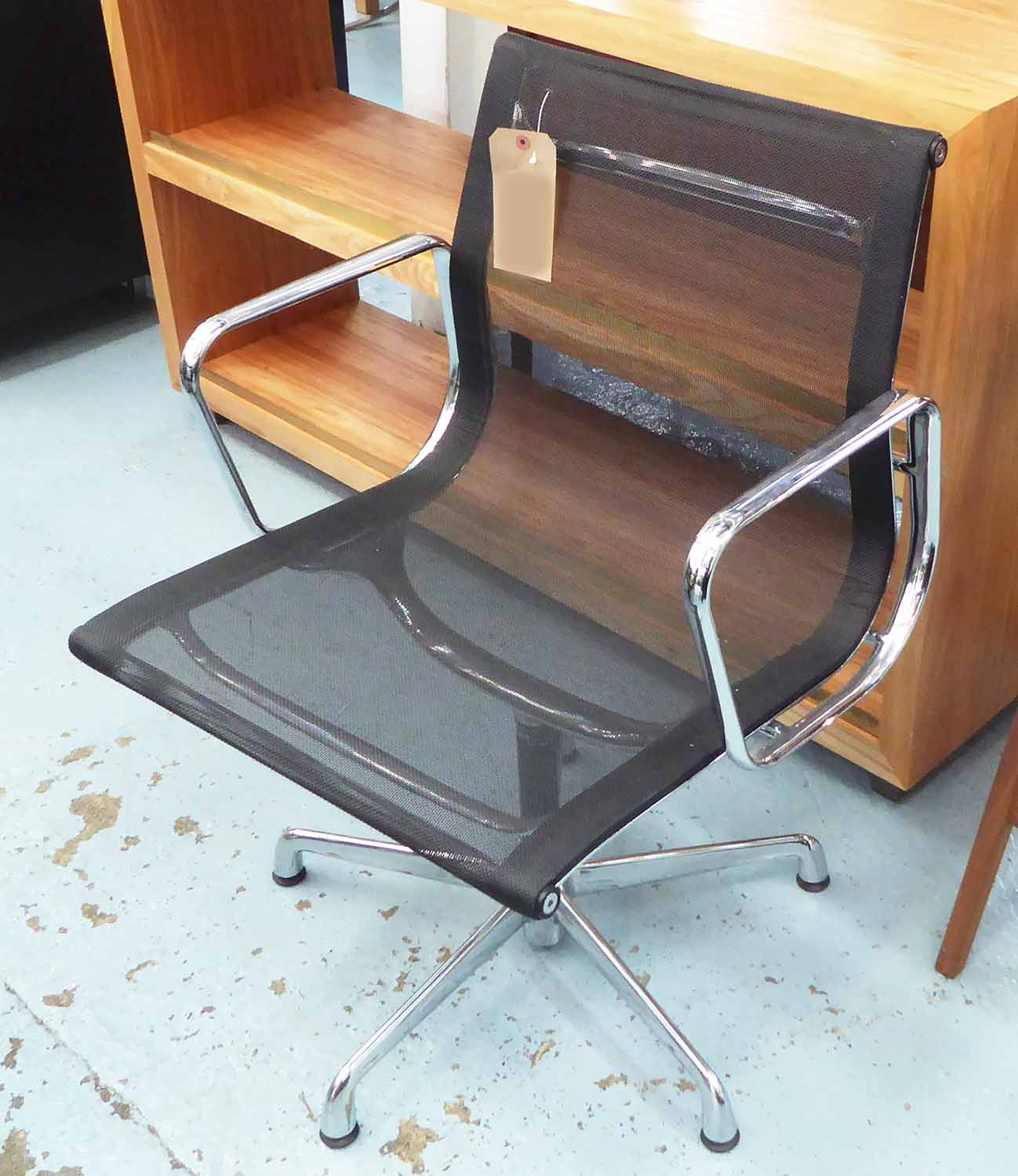 Lot 49 - VITRA ALUMINIUM GROUP DESK CHAIR, by Charles and Ray Eames, 58cm W.