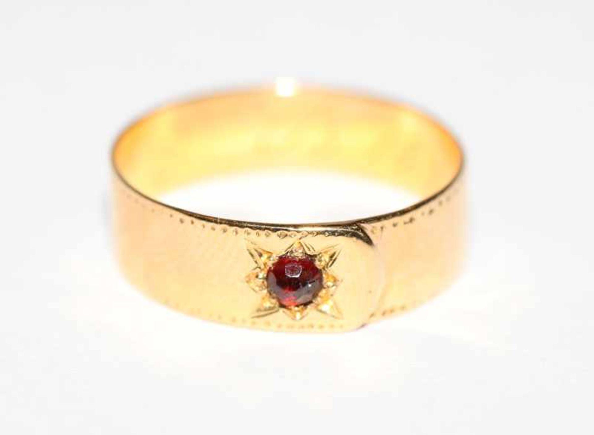 18 k (geprüft) Gelbgold Ring mit Rubin, innen datiert 1871, Gr. 54