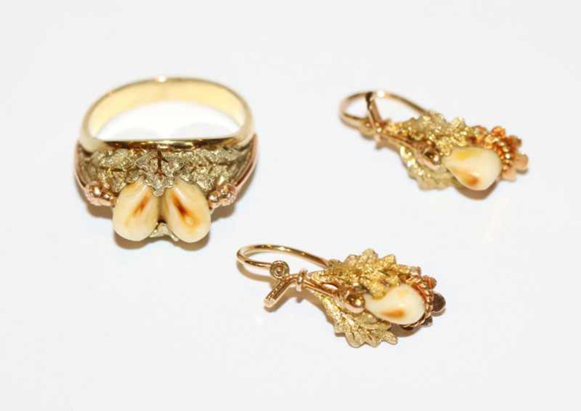 Los 92 - Paar 14 k Gelb- und Roségold Grandel-Ohrhänger und passender Ring, Gr. 51, schöne Handarbeit, 8,2