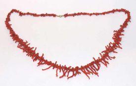 Korallen Stäbchenkette in Verlaufform, L 78 cm