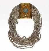 Silber Kropfkette, vergoldete Schließe mit filigraner Verzierung, mit 11 Ketten, 3 Ketten fehlen,