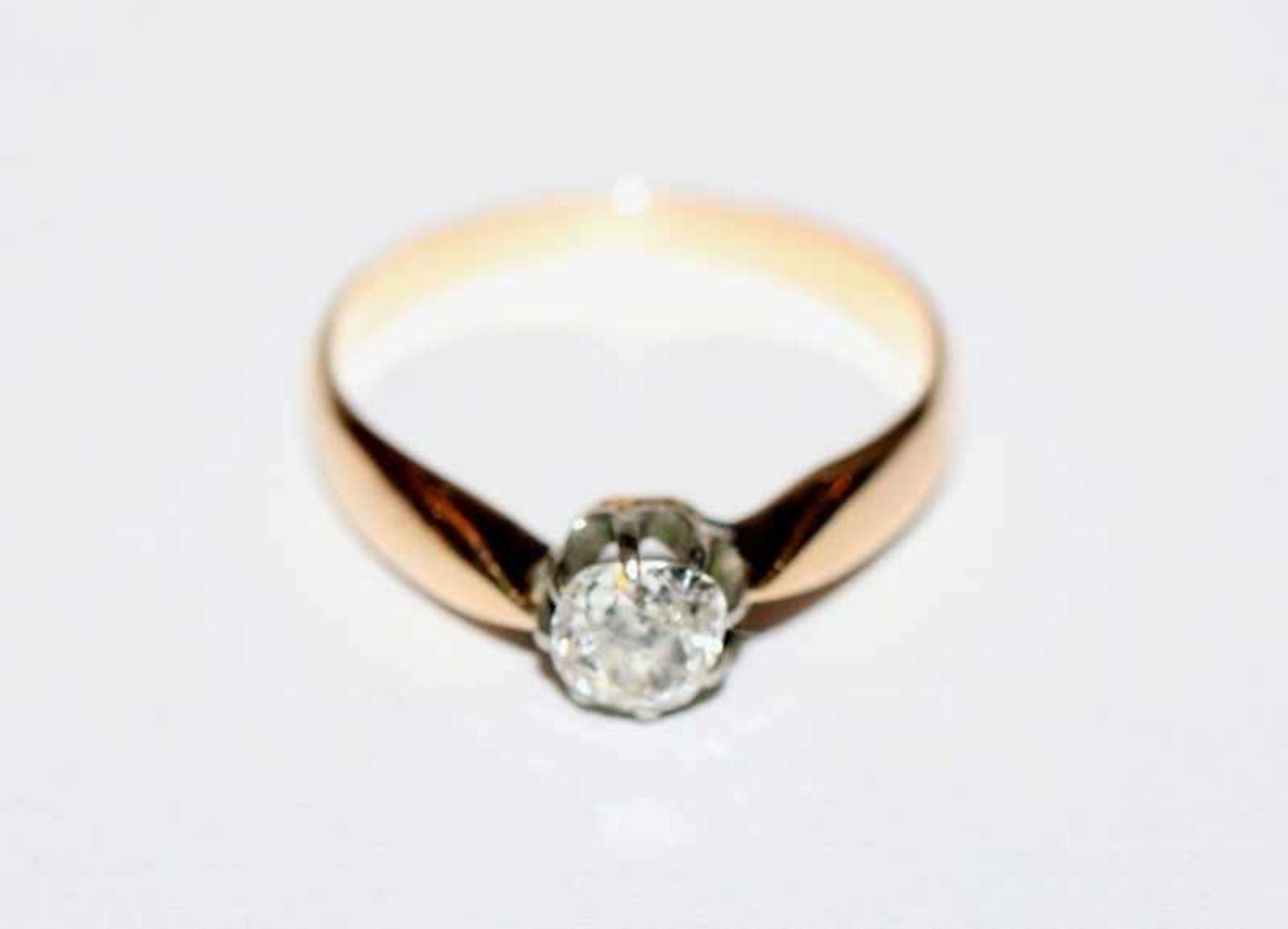 Los 11 - 14 k Gelbgold Ring mit in Weißgold gefaßtem Altschliff Diamant, ca. 0,35 ct., 19. Jahrhundert, Gr.