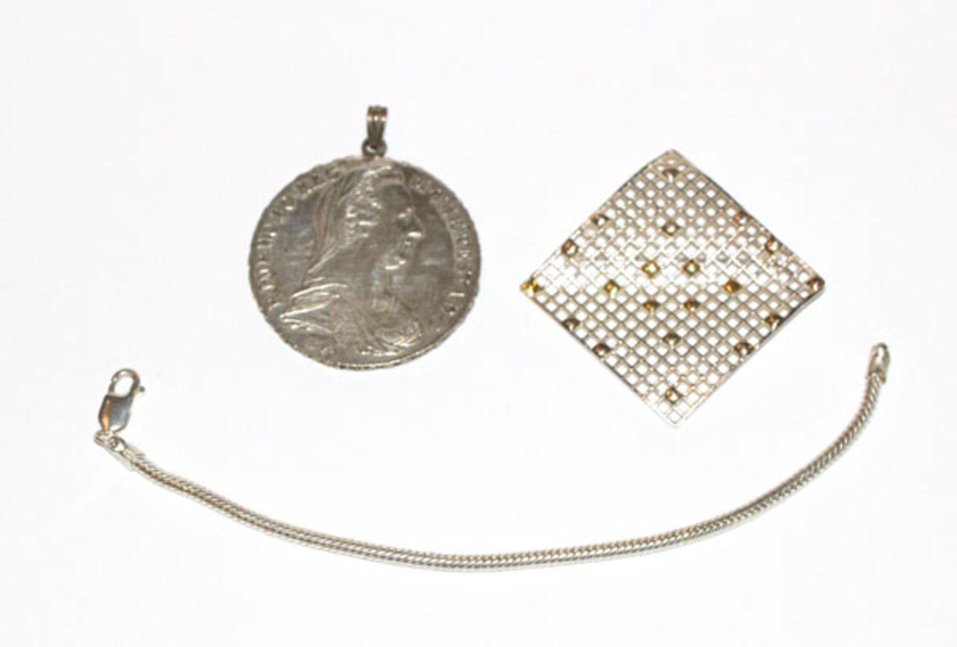 Silber-Kovolut: Designer Brosche in Gitterform, 3,8 cm x 3,8 cm, Schlangen-Armband, L 16 cm,