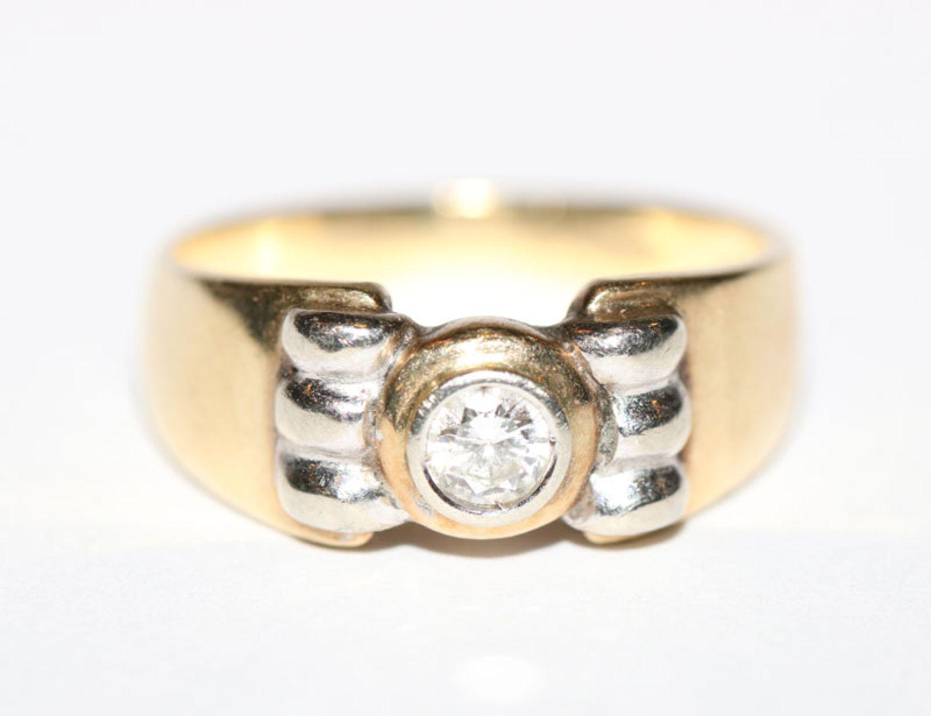 14 k Gelb- und Weißgold Ring mit ca. 0,20 ct. Diamant, Gr. 53