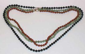 Konvolut von 3 diversen Stein-Kugelketten, Jade, Karneol und Schneeflockenobsidian, L 74/84 cm
