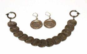Münzarmband aus 1/2 Mark Münzen, 900 Silber, L 23 cm, und Paar passende Ohrhänger, L 4,5 cm, zus. 52