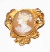 18 k Gelbgold (geprüft) Brosche mit Muschelgemme, Damenportrait, feine Handarbeit 19.