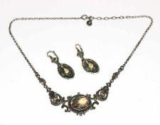 Silber Trachten-Collierkette mit Eichenlaub und Grandel, L 38 cm, und Paar passende Ohrhänger, L 3,7