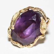 14 k Gelbgold Designer Ring mit Amethyst, gravierte Fassung, 13 gr., Gr. 53