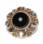 Trachten Doublé/Silber Brosche mit schwarzem Glas, gechipt, Verschluß defekt, Tragespuren, D 4 cm