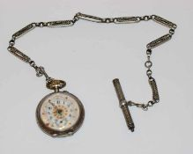 Silber Taschenuhr, D 4,5 cm, Zifferblatt beschädigt, intakt ?, an Silber Uhrenkette, L 37 cm