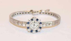 18 k Weißgold Damen-Armbanduhr der Firma Gerber, mattiertes Armband mit 14 Diamanten, gut 1 ct., und
