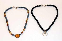 2 Designer Schmuck-Ketten, teils Silber geprüft, mit Farbsteinen, L 36 cm